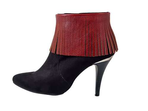 Red boot fringes