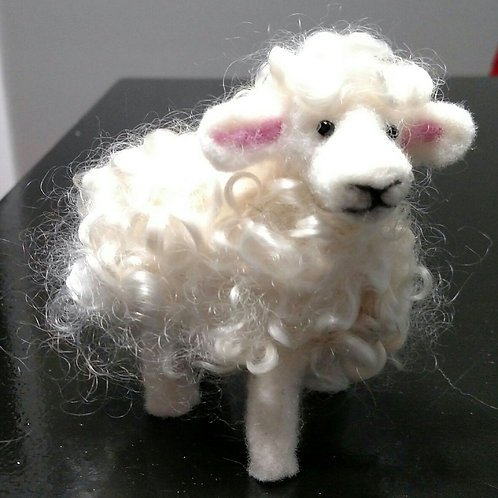 Needlefelt a Sheep with Vicki Bedford