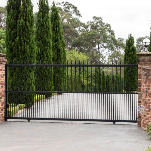 Black-wrought-iron-driveway-entrance-gates-639949550_4934x2944.jpeg