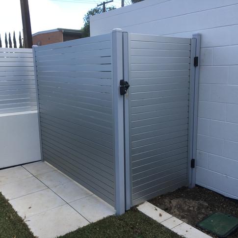 horizontal slat gate by Adelaide Fencing SOlutions.JPG
