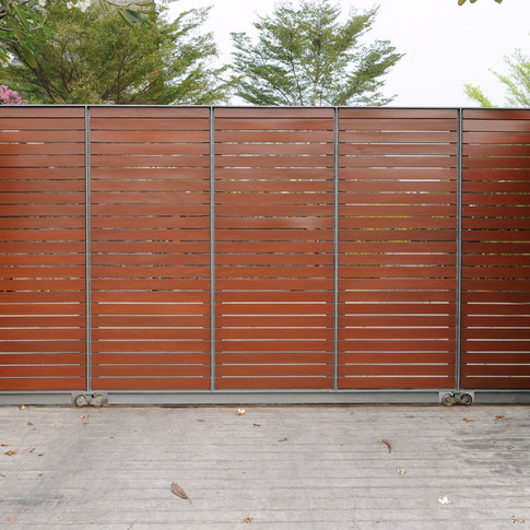 Wooden-Gate-of-a-Luxury-Suburban-House-136295310_3008x2000.jpeg