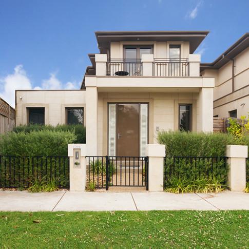 Facade-of-a-contemporary-townhouse-in-Melbourne-Australia-499197394_3370x3111.jpeg