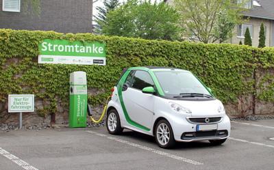 Warum besser eine PV-Anlage installieren statt ein E-Auto kaufen