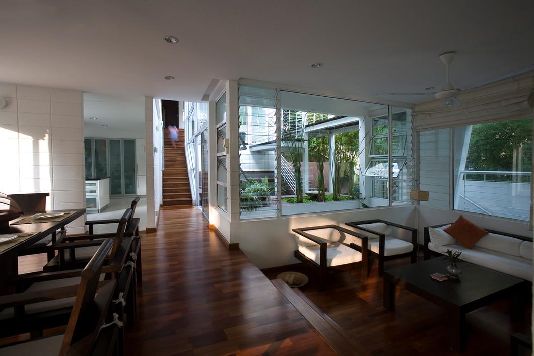 Internal Space & Courtyard copy.jpg