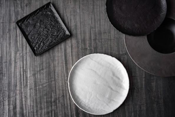 Porcelana_Livelli_white_black.jpg