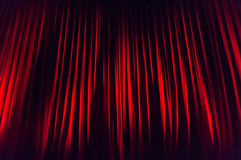stage-curtain-660078_1280.webp