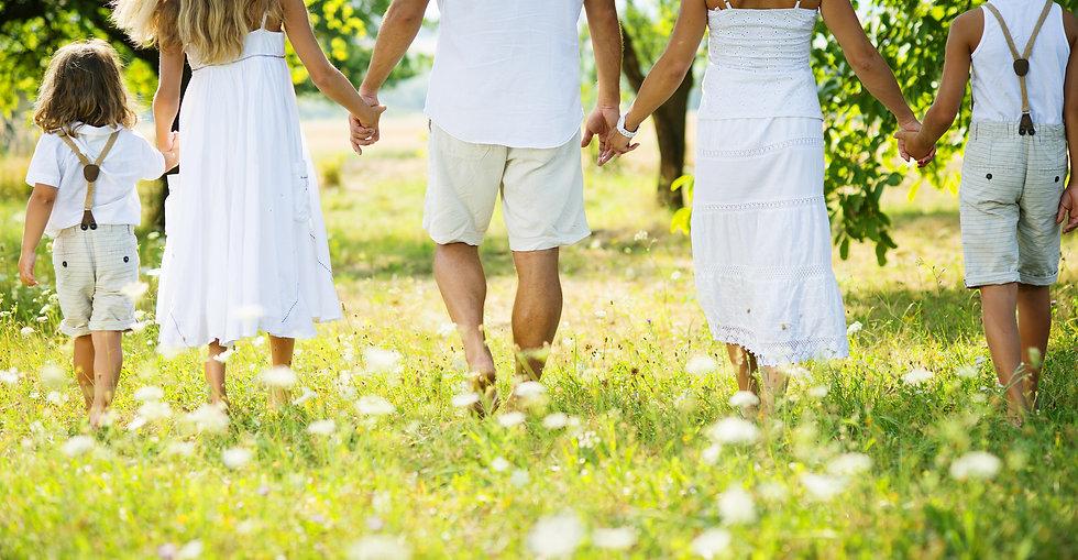 happy-family-PB85KKV.jpg
