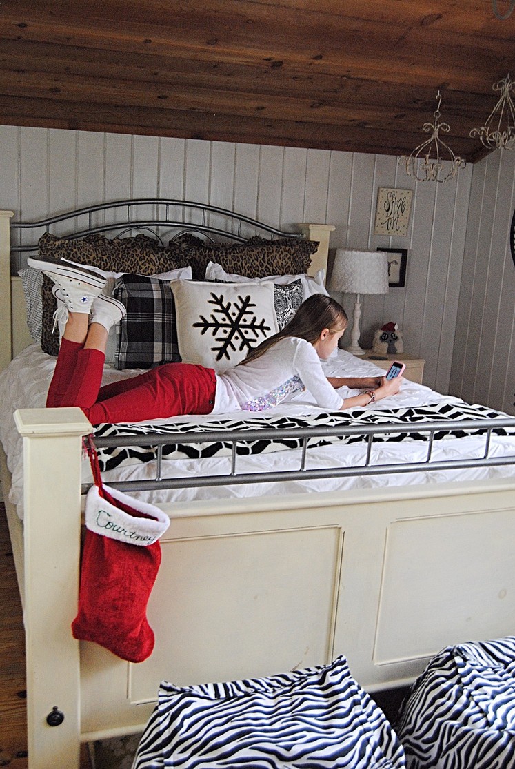Christmas Kids' Rooms Holiday Home Tour