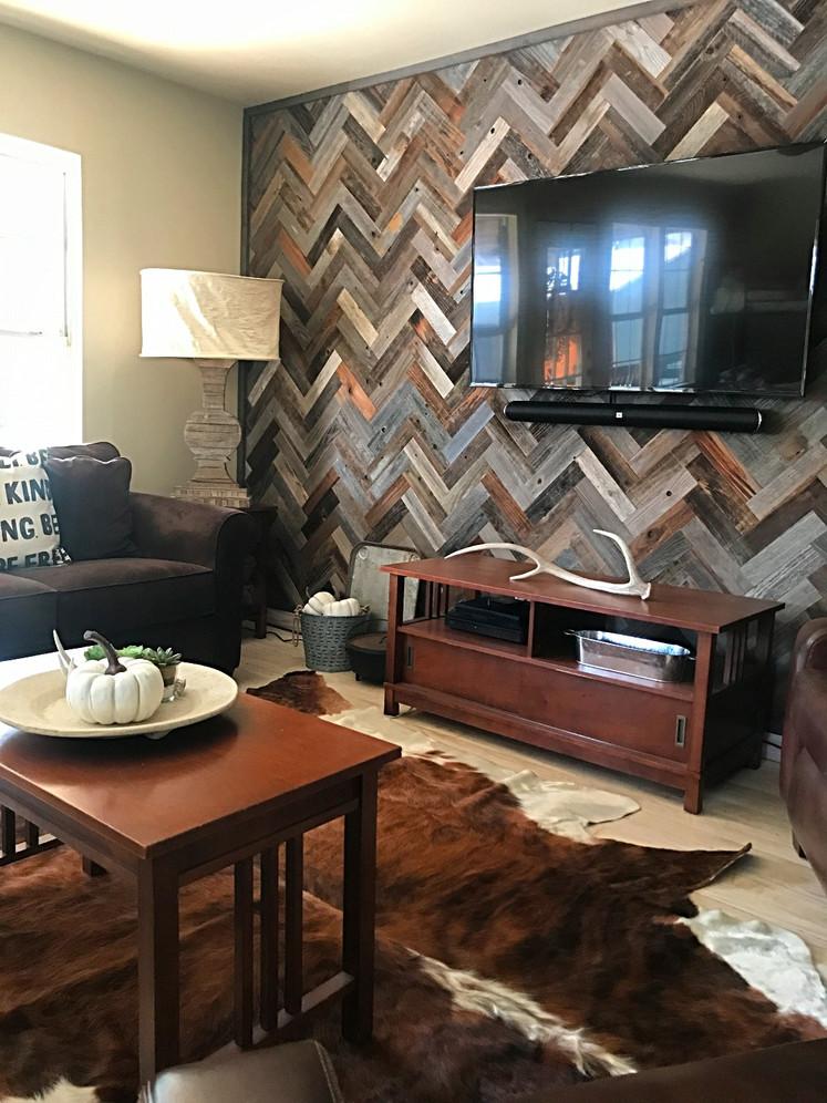 DIY:  Reclaimed Wood Wall in Herringbone Pattern