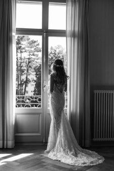 Switzerland city wedding_bride