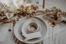 White Monochrom Dinner Table_Table Decor