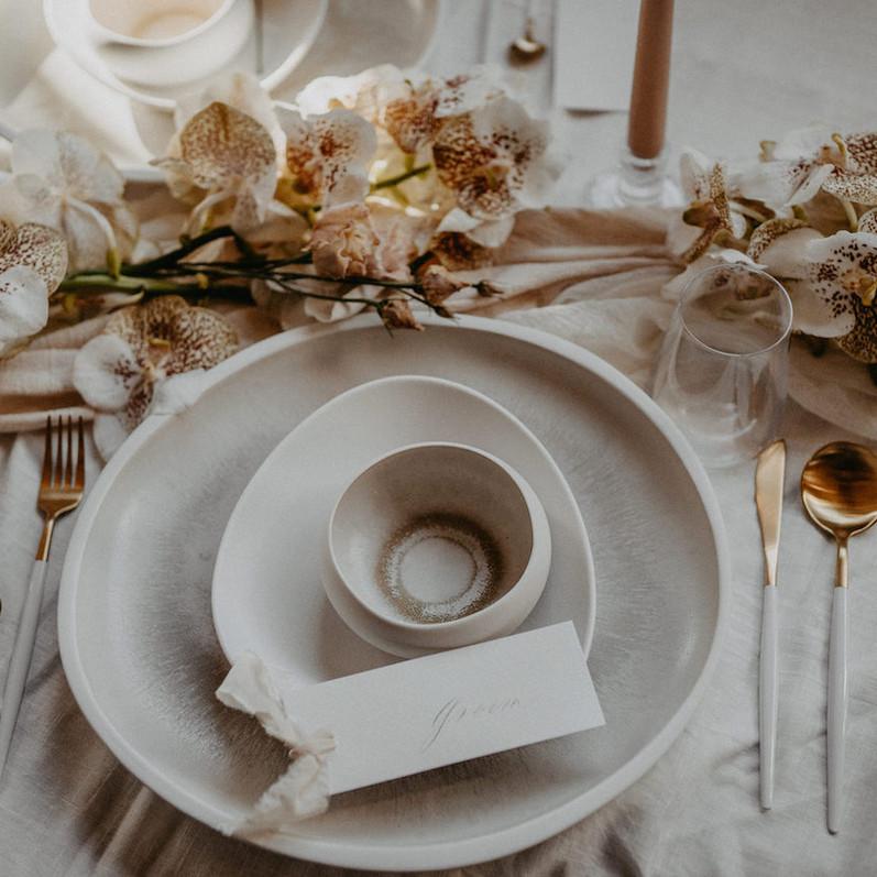 White Monochrom Dinner Table_Table Decor_Orchideen.jpg