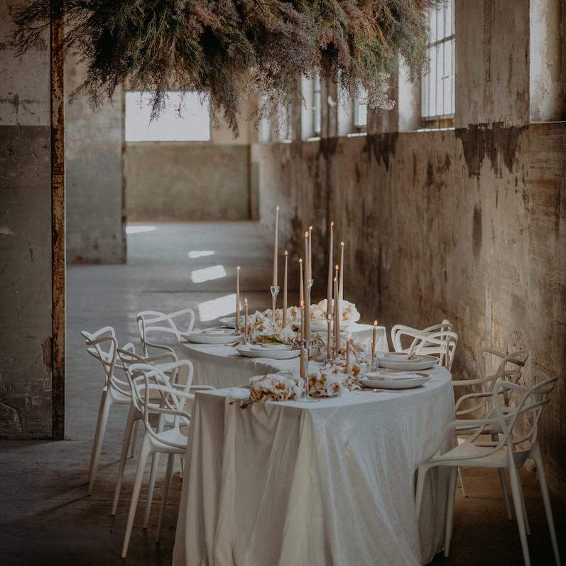 Lunaria Cloud_Snake Table_Wedding Table.jpg