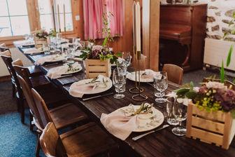Swiss destination wedding_table decoration