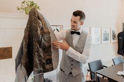 Switzerland city wedding_groom