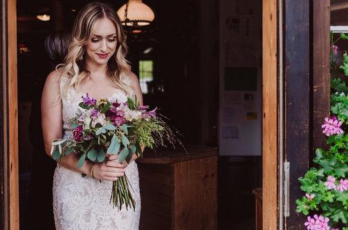 Swiss destination wedding_bridal bouquet