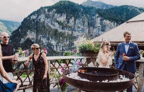 Swiss destination wedding_dinner mountain view