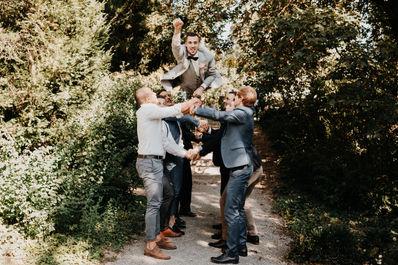 Switzerland city wedding_shooting groom