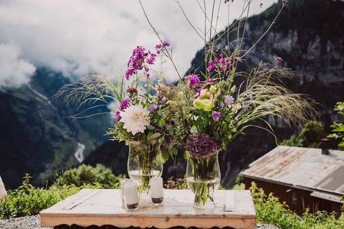 Swiss destination wedding_ flowers