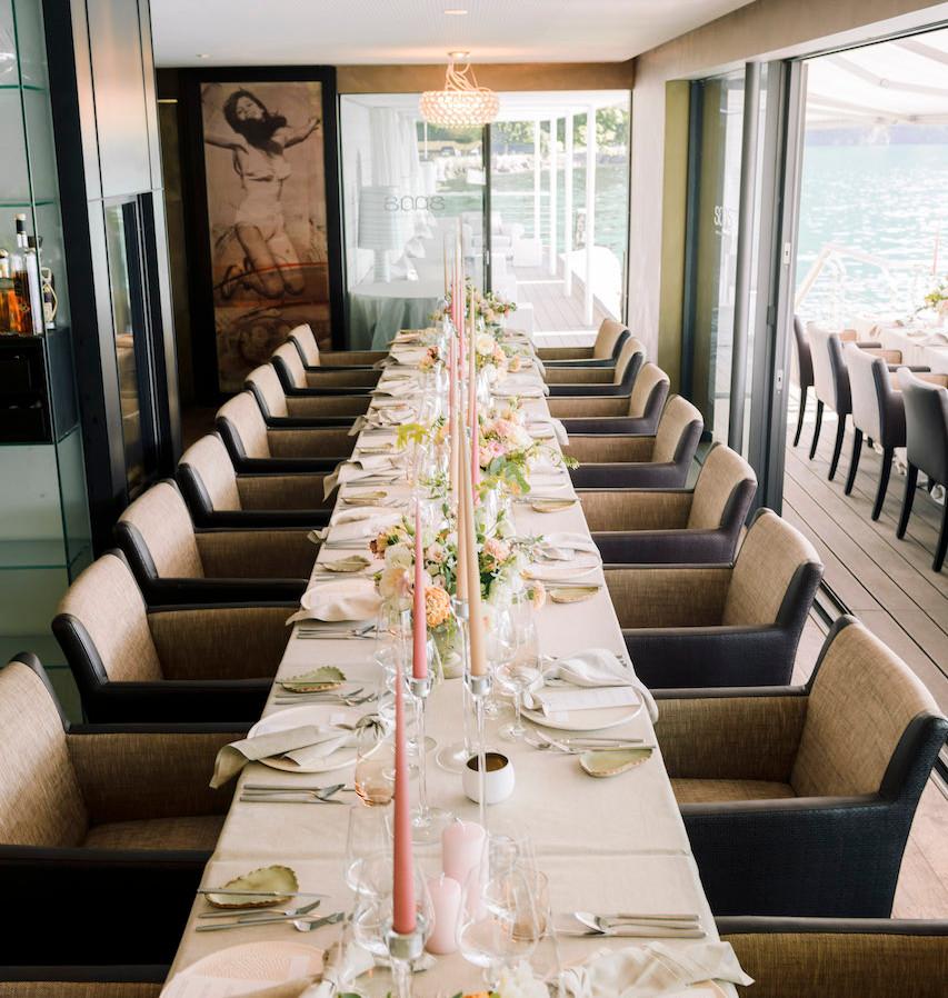 Fine Art Dinner Table in Switzerland Vit