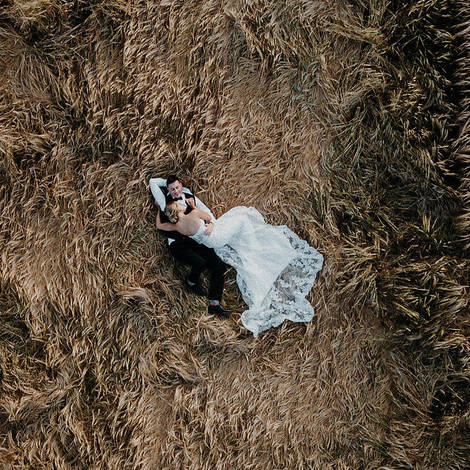 A WEDDING SUROUNDED BY NATURE