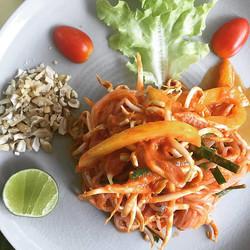 Atsumi Raw Pad Thai