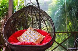 Atsumi villa hang chair 1
