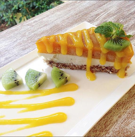 Atsumi Raw Mango Cheesecake