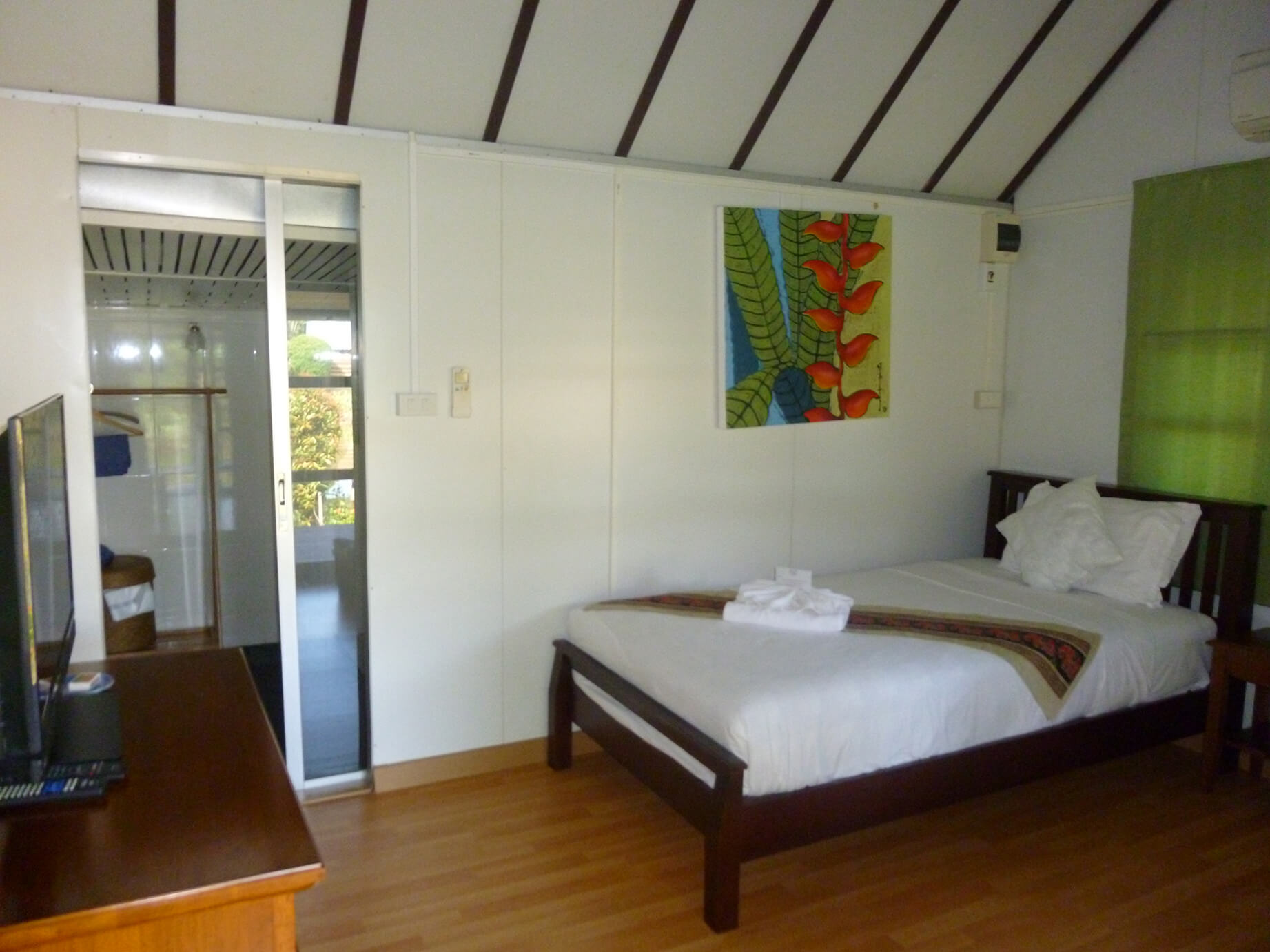Atsumi lakeside cottage bedroom 3 (1)
