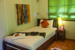 Atsumi lakeside cottage bedroom (1)