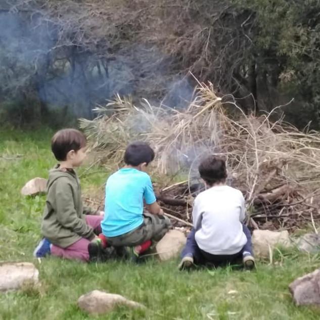 niños inicio fogon.jpeg