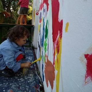 niño pintando.jpg