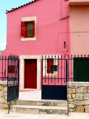 PINK HOUSE (CRETE)