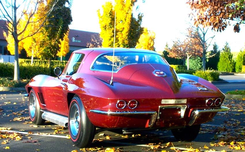 CorvetteStingraybillhall.jpg
