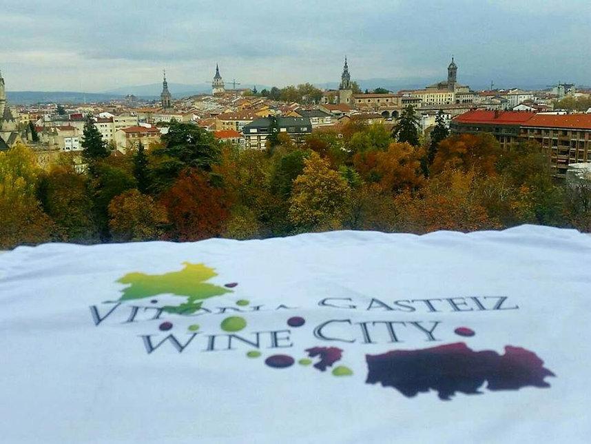 vitoria wine city vino rioja alava euskadi gasteiz vasco txakoli ayala aiara bandera flag