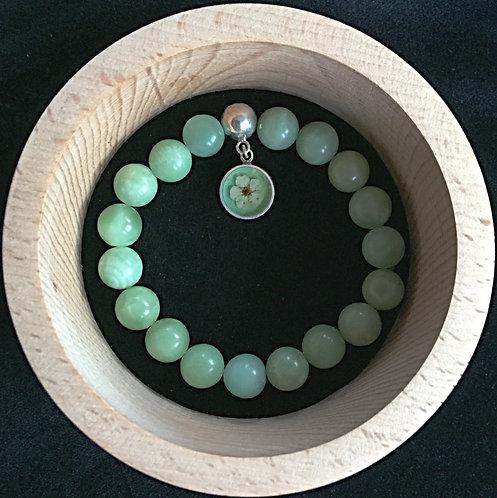 Jadeite bracelet with pendant