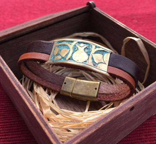 Bracelet with leather band