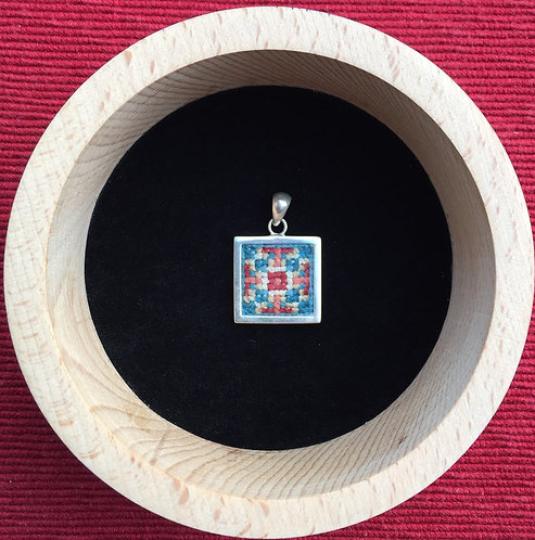 Pendant square small