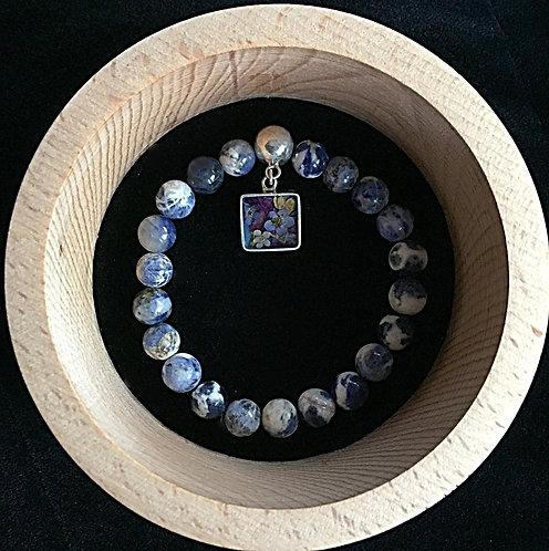 Lapis lazuli bracelet with pendant