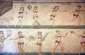 Roman_Wall_Mosaic_depincting_women_playi