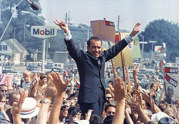 Richard Nixon, Ollie Atkins, July 1968.j