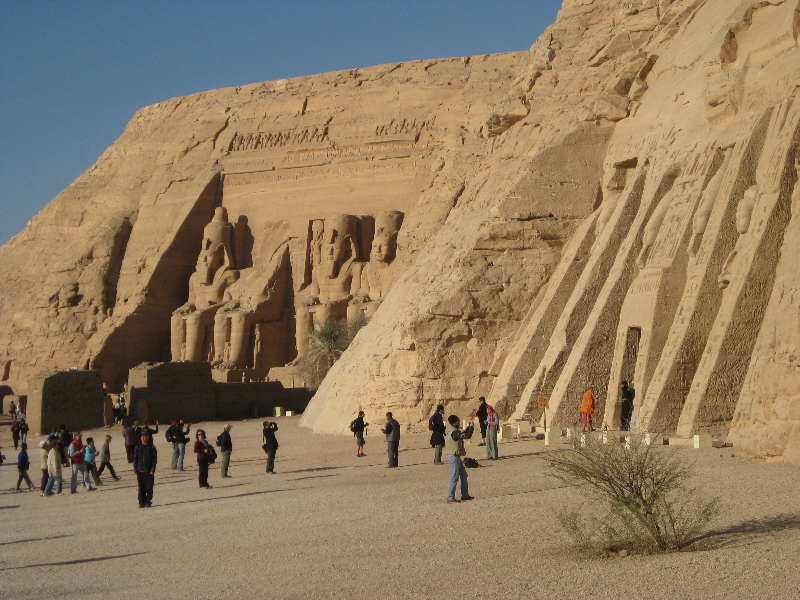 0812526abusimbel8y.jpg