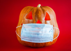 DIY Halloween Costumes With a Mask
