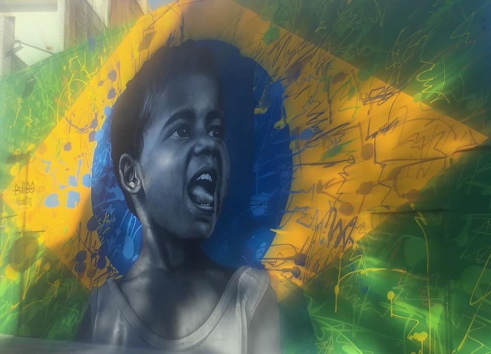 Não podemos morrer de Brasil - Professor Mariano