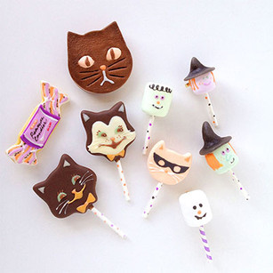 Halloween brooches in SiS!