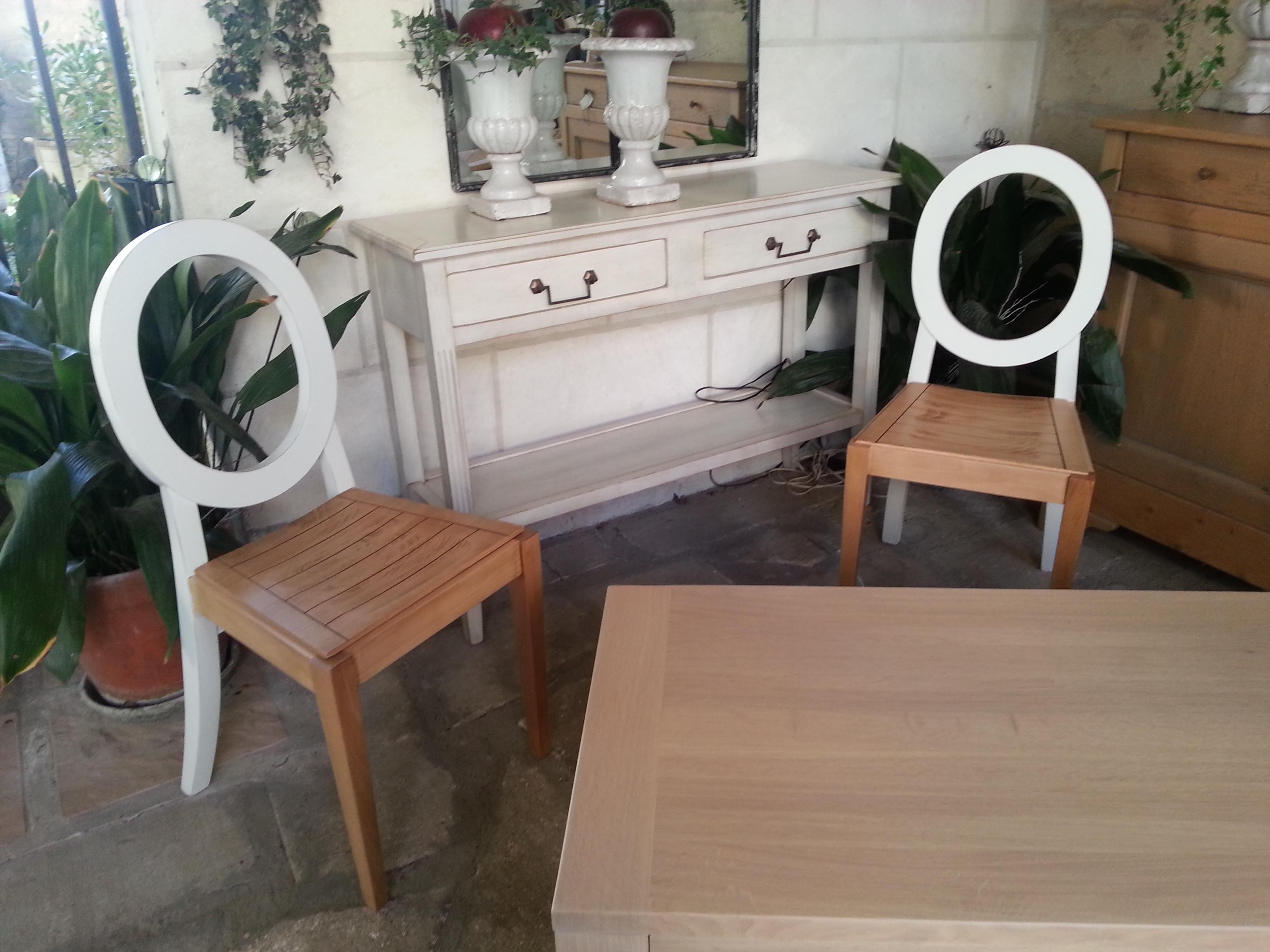 chaises et meubles