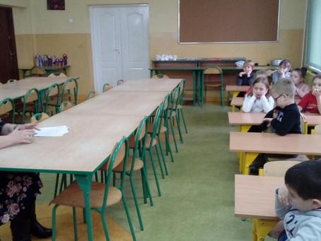 Pani Justyna z niezwykłą misją u przedszkolaków