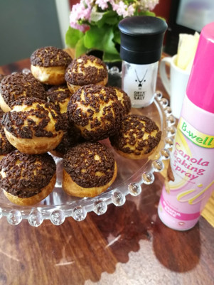 Crunchy cream puffs