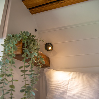 Reading lights with USB ports