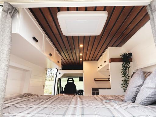 Kunu double bed